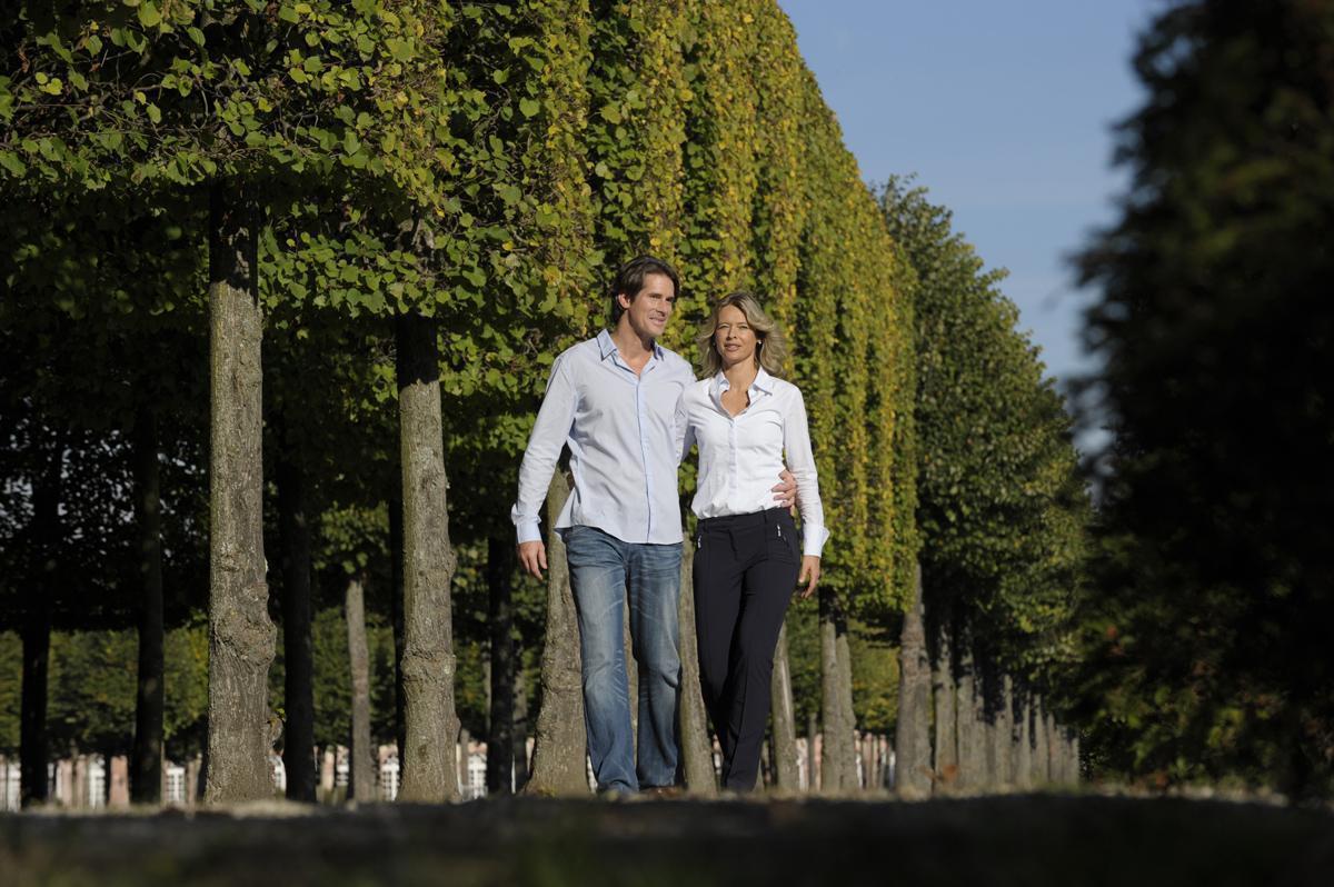 Besucherpaar bei Besichtigung; Foto: Staatliche Schlösser und Gärten Baden-Württemberg, Niels Schubert