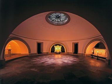 Grabkapelle auf dem Württemberg, Grab im Keller unter der Grabkapelle