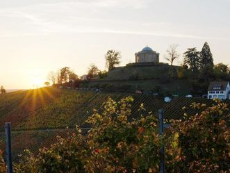 Grabkapelle auf dem Württemberg, Sonnenuntergang