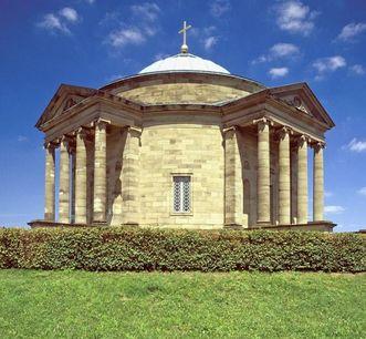 Außenansicht der Grabkapelle auf dem Württemberg